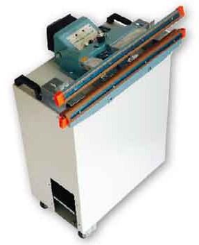 Varilnik Protea 650: - minimalna investicija - potrošnja samo 1200W(max.), 10x manšja potrošnja od VF varilikov - hitro i precizno varenje - idealna pri pomanjkanju prostora, prenosna, samo 70kg, na koleščkih - enostavna za delo, demonstracija v 1 minuti - varenje cerad, mesha i vseh vrst materijala ki vsebuje PVC - bez dragih potrošnih delov